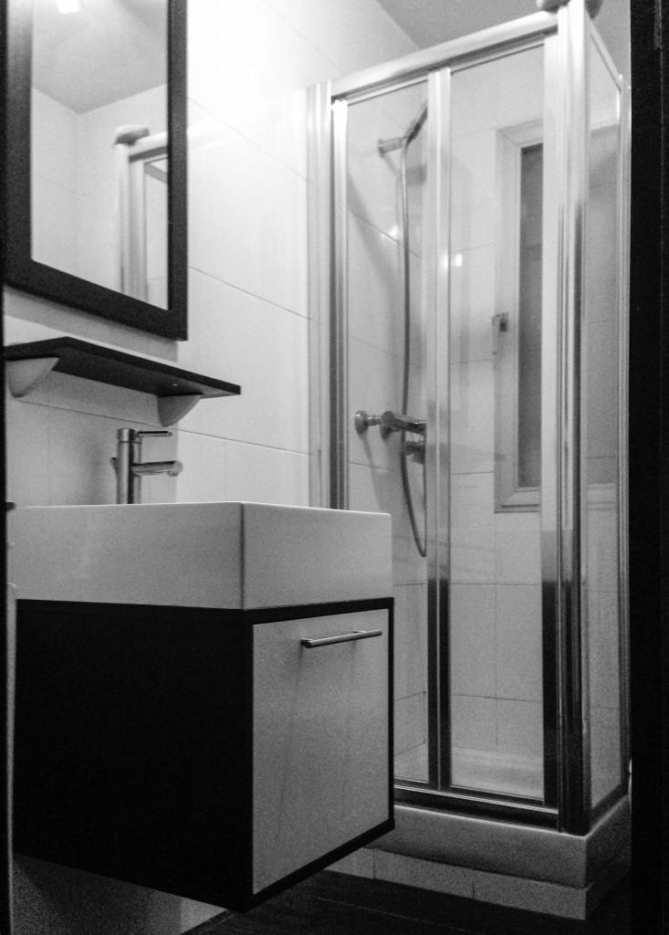 Baño mínimo minimalista